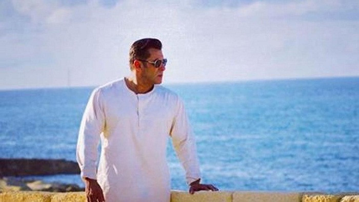 Salman Khan looks serene in new pic from Bharat sets in Malta