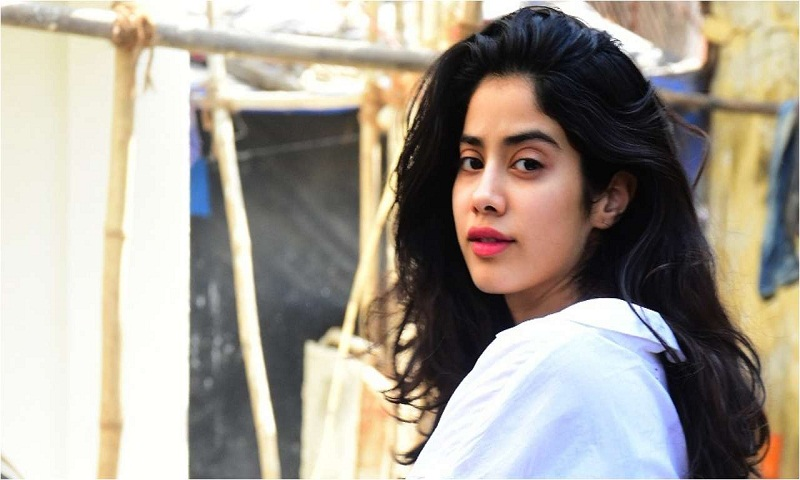 'I haven't earned so much money that I can wear a new dress everyday': Janhvi Kapoor