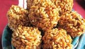 Crunchy Puffed Rice Balls (Murir Moa)