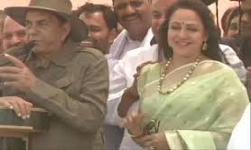 Lok Sabha elections 2019: Dharmendra campaigns for Hema Malini in Mathura