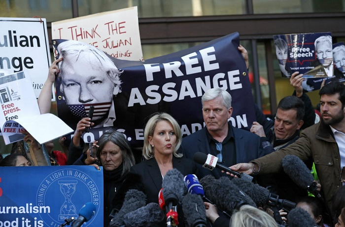 Assange will cooperate with Sweden, but fight US warrant: Lawyer