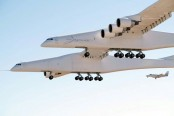 World's largest plane makes first test flight