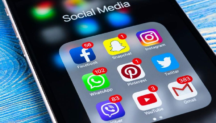 Social media users face difficulty in using Facebook, Instagram and Whatsup across the globe