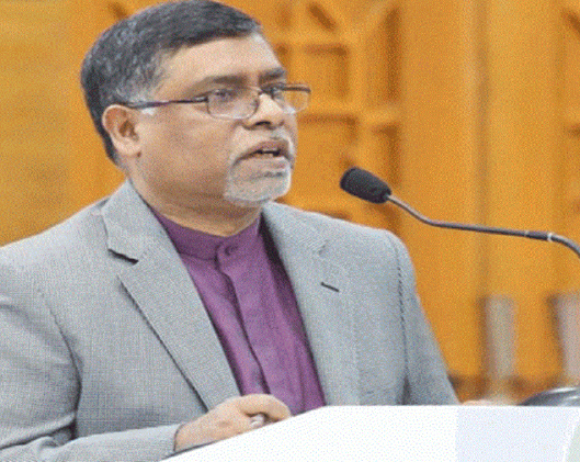 Govt to fix service charges for private hospitals: Minister