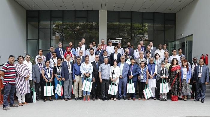 Foreign journalists visit East West Media Group Ltd outlets