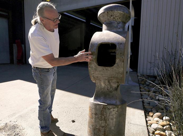 Part of giant hammer artwork stolen in California returned