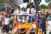 Film actor Ferdous Ahmed returns country as India revokes his visa
