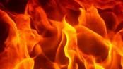 Fire engulfs madrasa building in Jatrabari