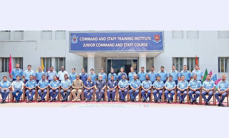 Graduating officers of 'No 110 Junior Command and Staff Course