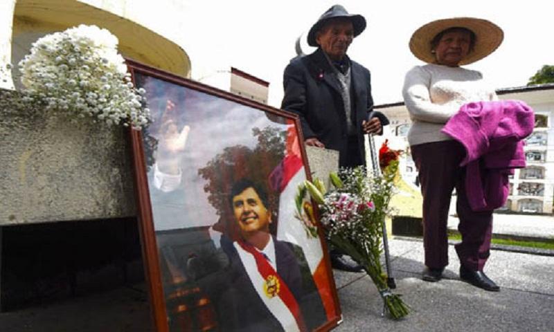 Peru's Garcia denies corruption claims in suicide note