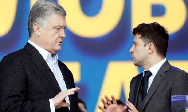 Ukraine presidential rivals trade barbs in stadium debate
