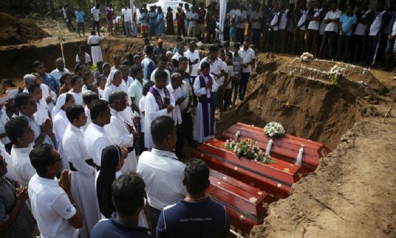 Mass funeral on Sri Lanka's day of mourning