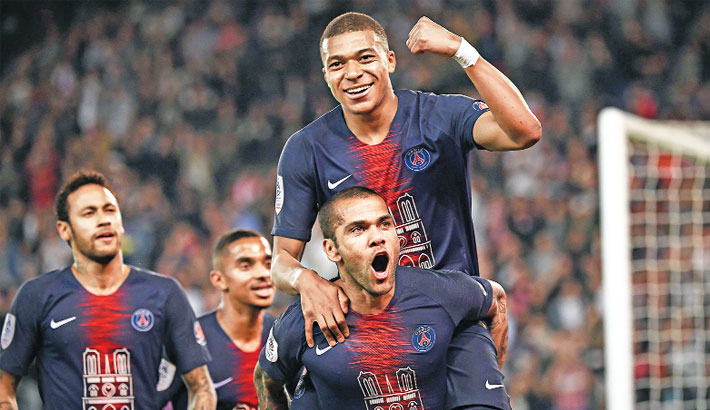 Mbappe leads PSG title celebration