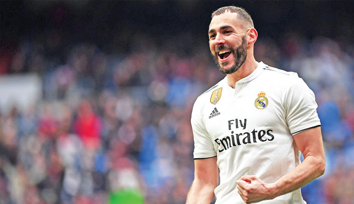 Benzema's hat-trick gives Madrid comfortable win