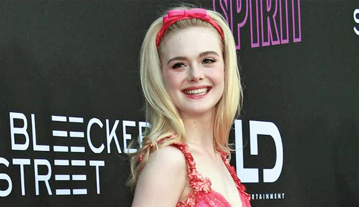 Elle Fanning says she wants to be a pop star