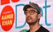 Aamir Khan travels economy, leaves a planeload of passengers surprised