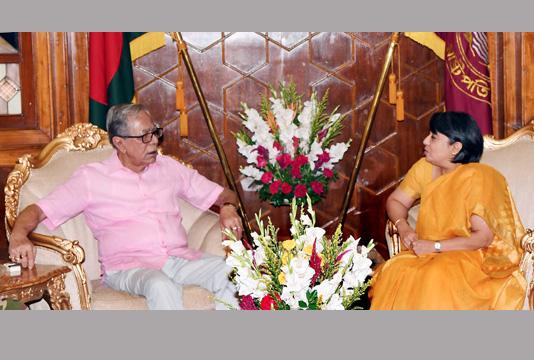 Indian envoy makes a courtesy on President