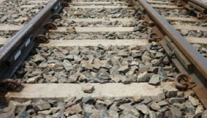 3 die after falling off trains in Gazipur