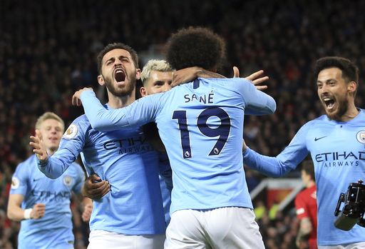 City beats United 2-0, back on top of Premier League