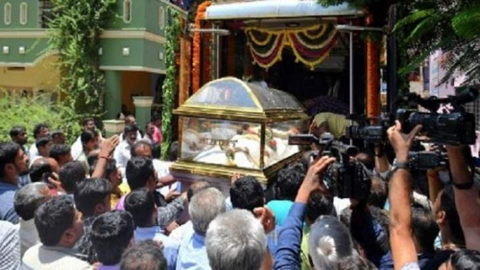 Mortal remains of 5 Indian victims of Sri Lanka blasts brought home