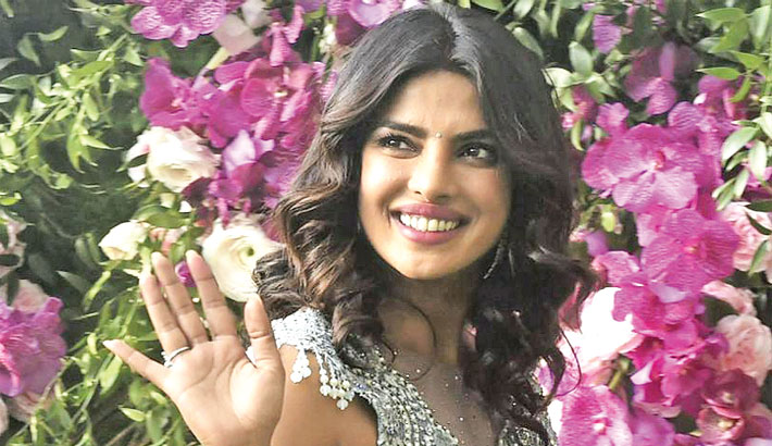 Priyanka named People's Beauty of the Year