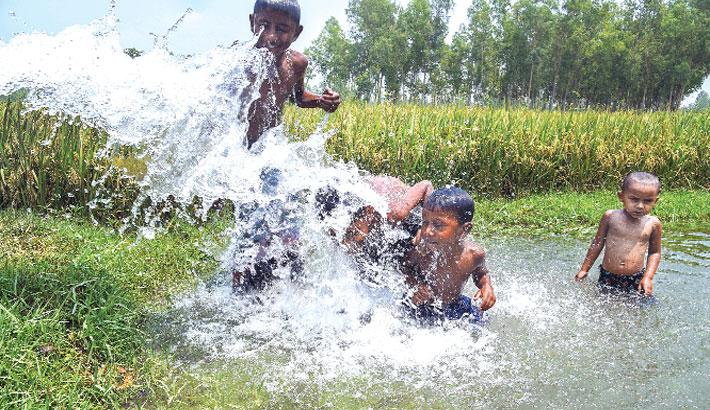 Children are enjoying water splash