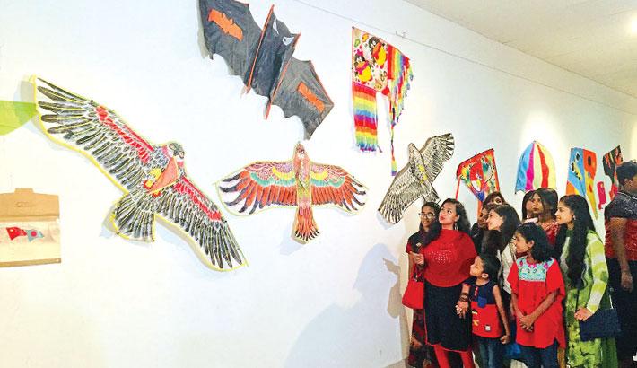 Kites Fly High