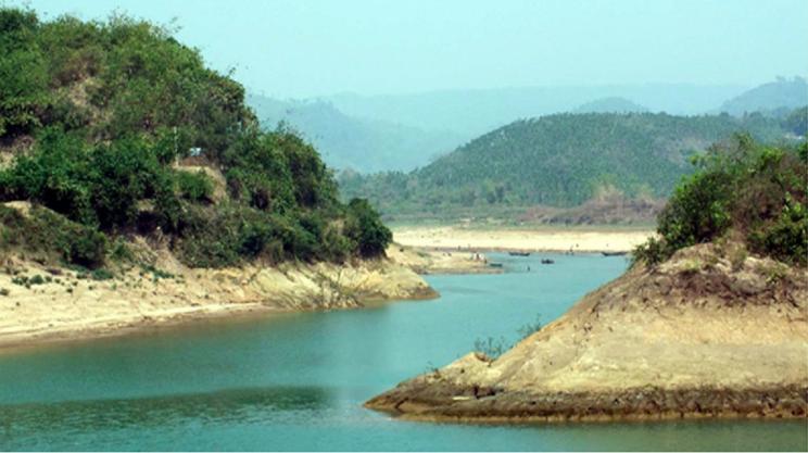 Poor navigability of Kaptai Lake puts Rangamati people in trouble