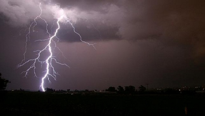 Lightning kills housewife in Thakurgaon