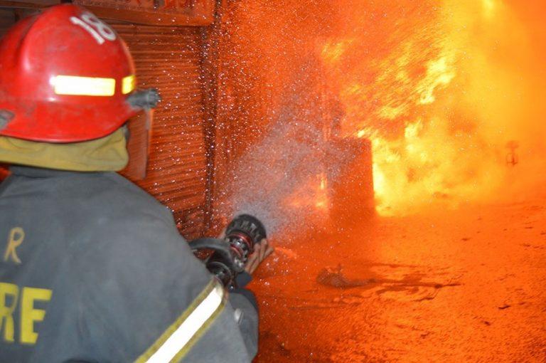 17 shops gutted in Sadarghat Market fire