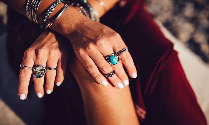 Summer travel trend: Jewellery that is best to take off with