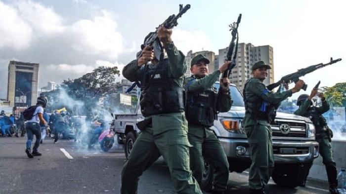 Venezuela crisis: Maduro aides agreed he had to go, US say