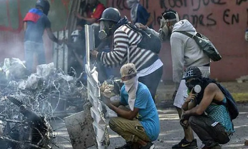 Clashes break out at Venezuela May Day protest