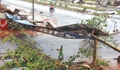 Indian pilgrim  city feels full  force of cyclone