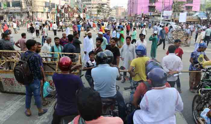 Hawkers suspend their demo for Tuesday