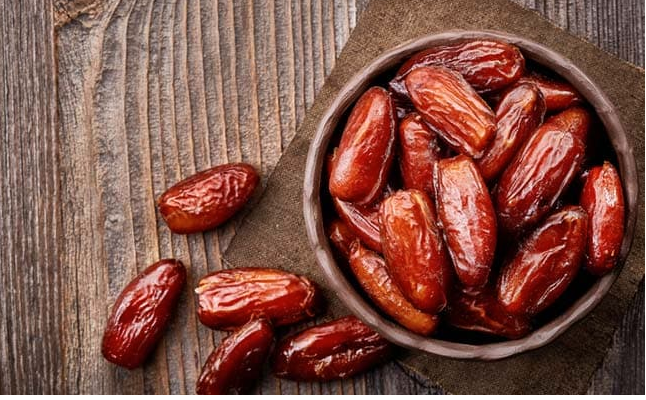 Break your roza with dates- its health benefits will surprise you
