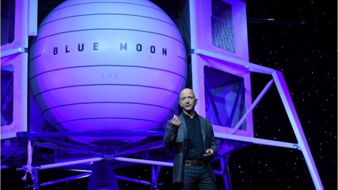 Jeff Bezos unveils Moon lander concept