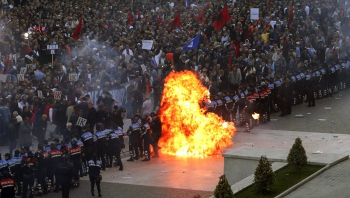 Albanian opposition clash with police at anti-govt rally