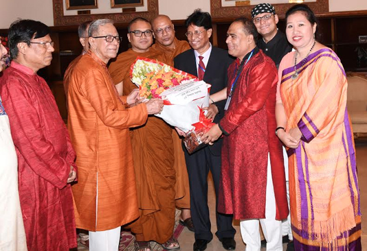 President hosts reception for Buddhists