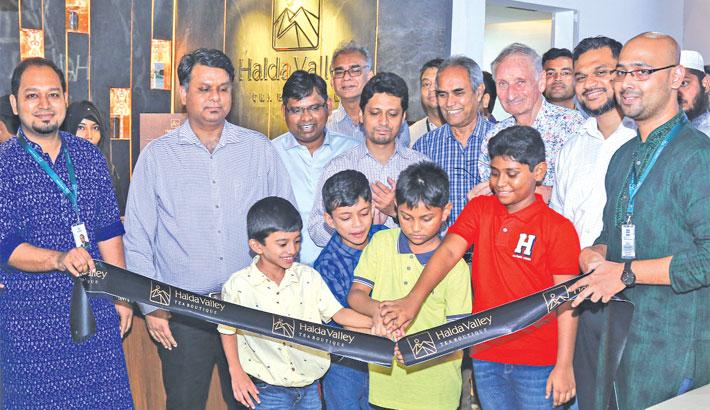 Halda Valley opens tea boutique at Gulshan