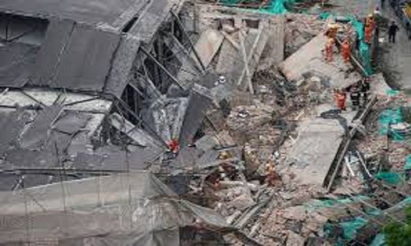 Eleven pulled alive from rubble in China building collapse