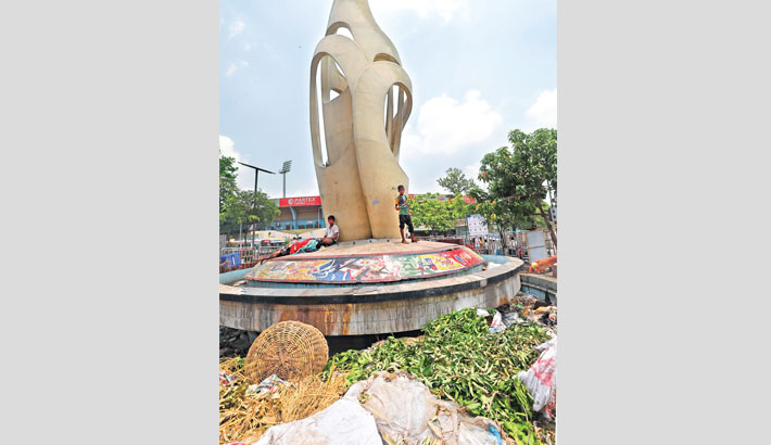 Neglected  Bangabandhu  Square