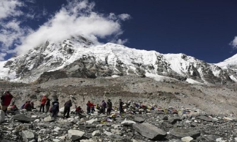 Indian climber dies, Irishman missing in Nepal mountains