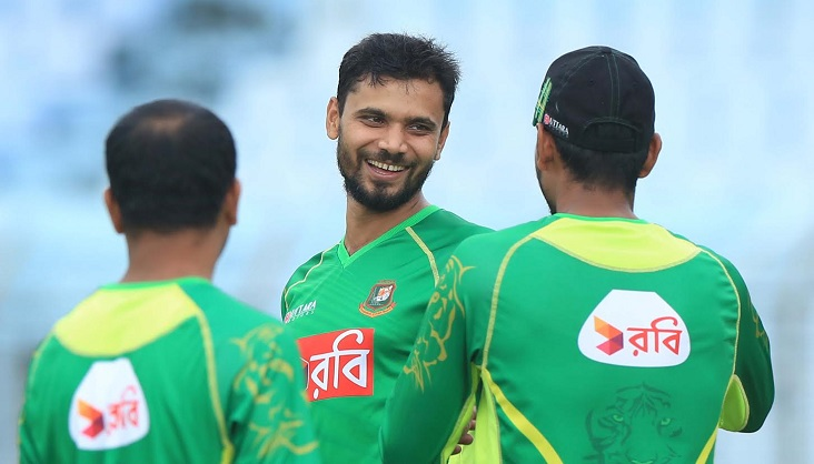 Mashrafe, 4 other cricketers returning home