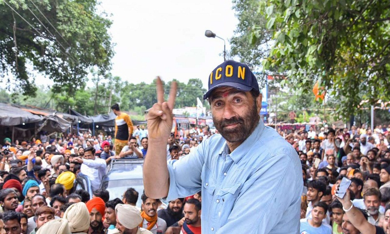 EC issues notice to Sunny Deol for 'violating' poll code