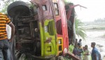 6 killed as bus hits roadside tree in Bagerhat