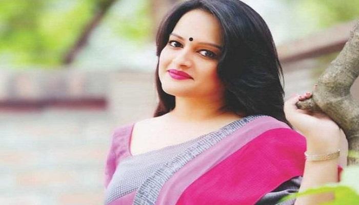Ishita returns with new song 'Amar Aviman'