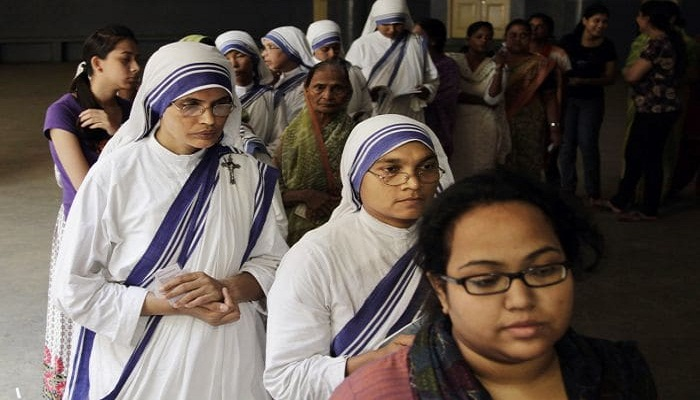 Final round of voting underway in Indian elections