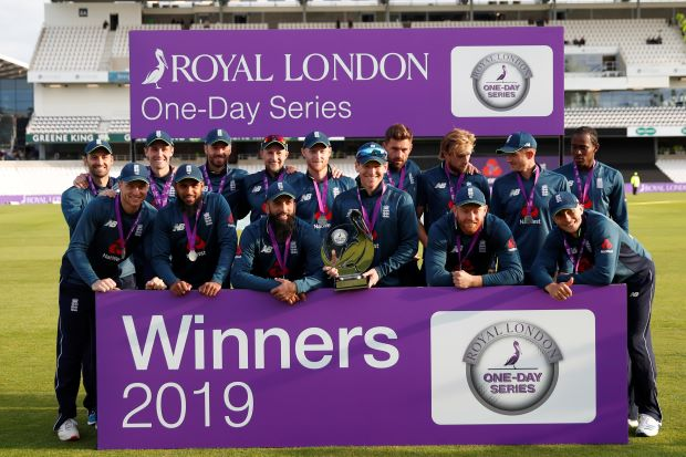 Woakes' fifer takes England to 4-0 series win over Pakistan