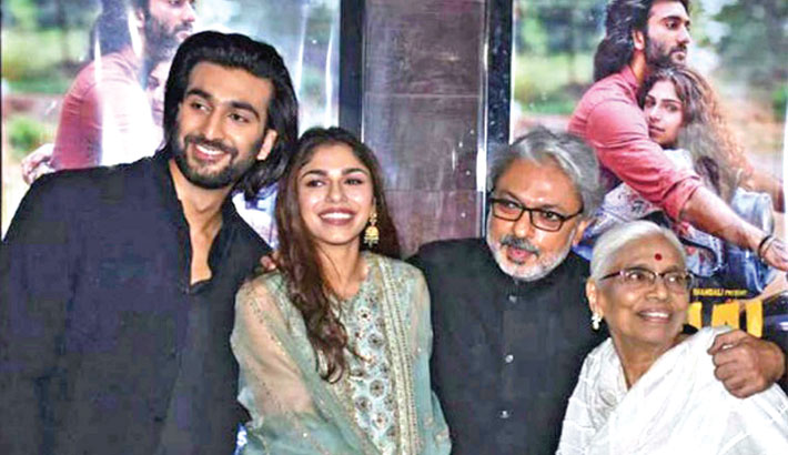 Bhansali gets emotional as he launches niece Sharmin